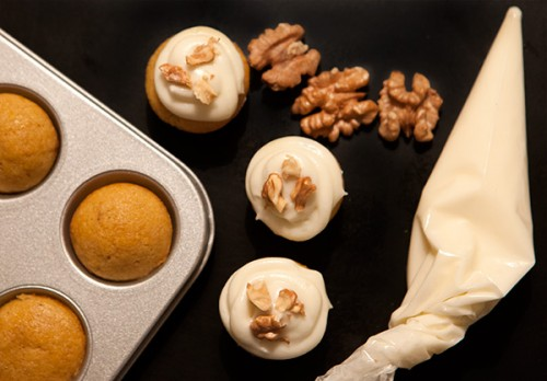 Mini Pumpkin Cupcakes for Halloween