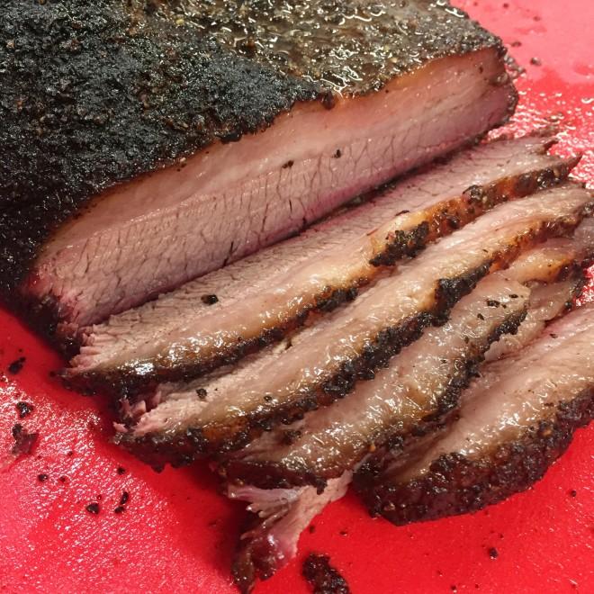 BBQ Brisket: Punta di petto di manzo affumicato