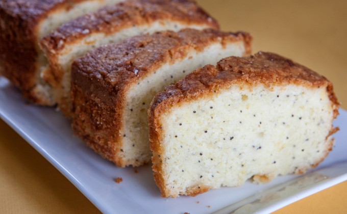 Cake al limone e semi di papavero