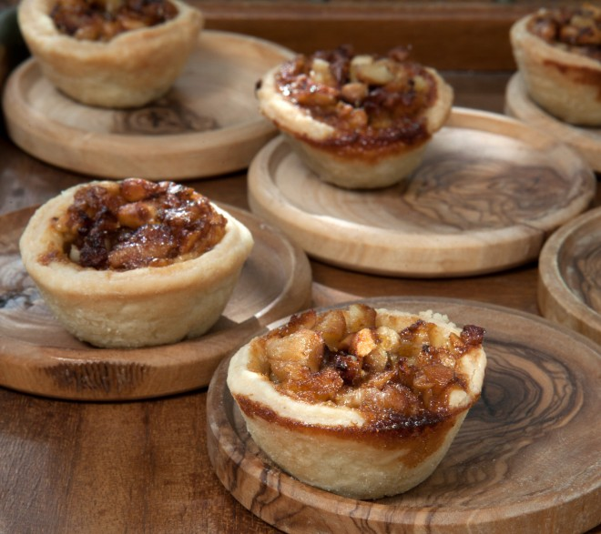 Mini hazelnut pies