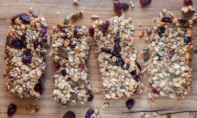 Oat and date bars