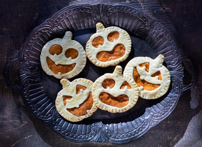 Pumpkin hand pies: crostatine di Halloween