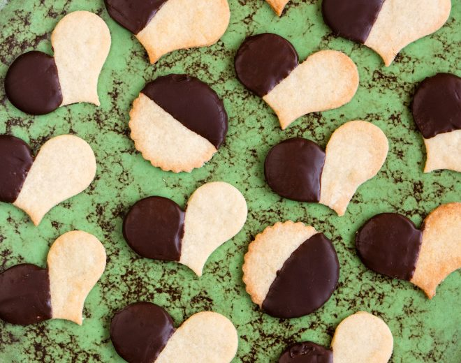 Cuoricini alle mandorle e cioccolato fondente