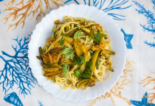 Spaghetti with Avocado, Zucchini and Saffron