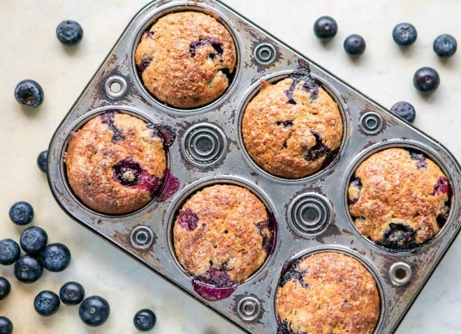Muffin alla banana e mirtilli