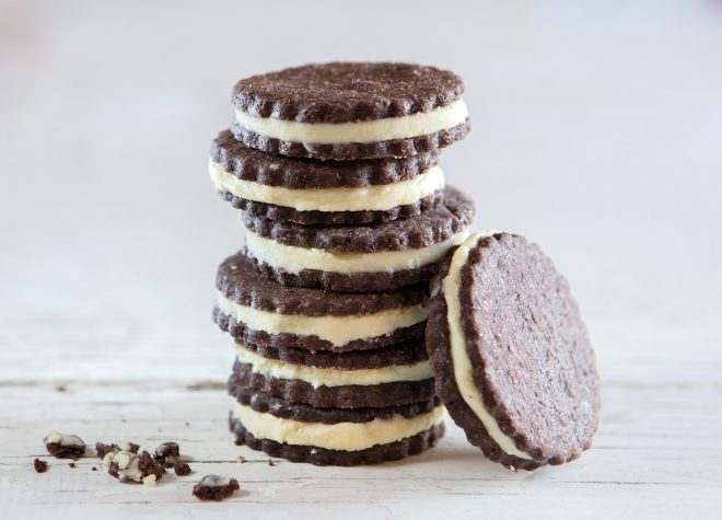 Chocolate sandwich cookies with white chocolate cream